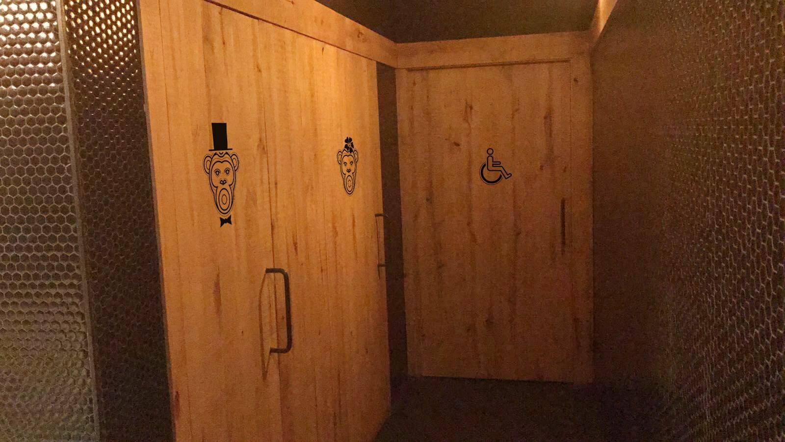 Diseño de rotulación y señalética interior en Málaga