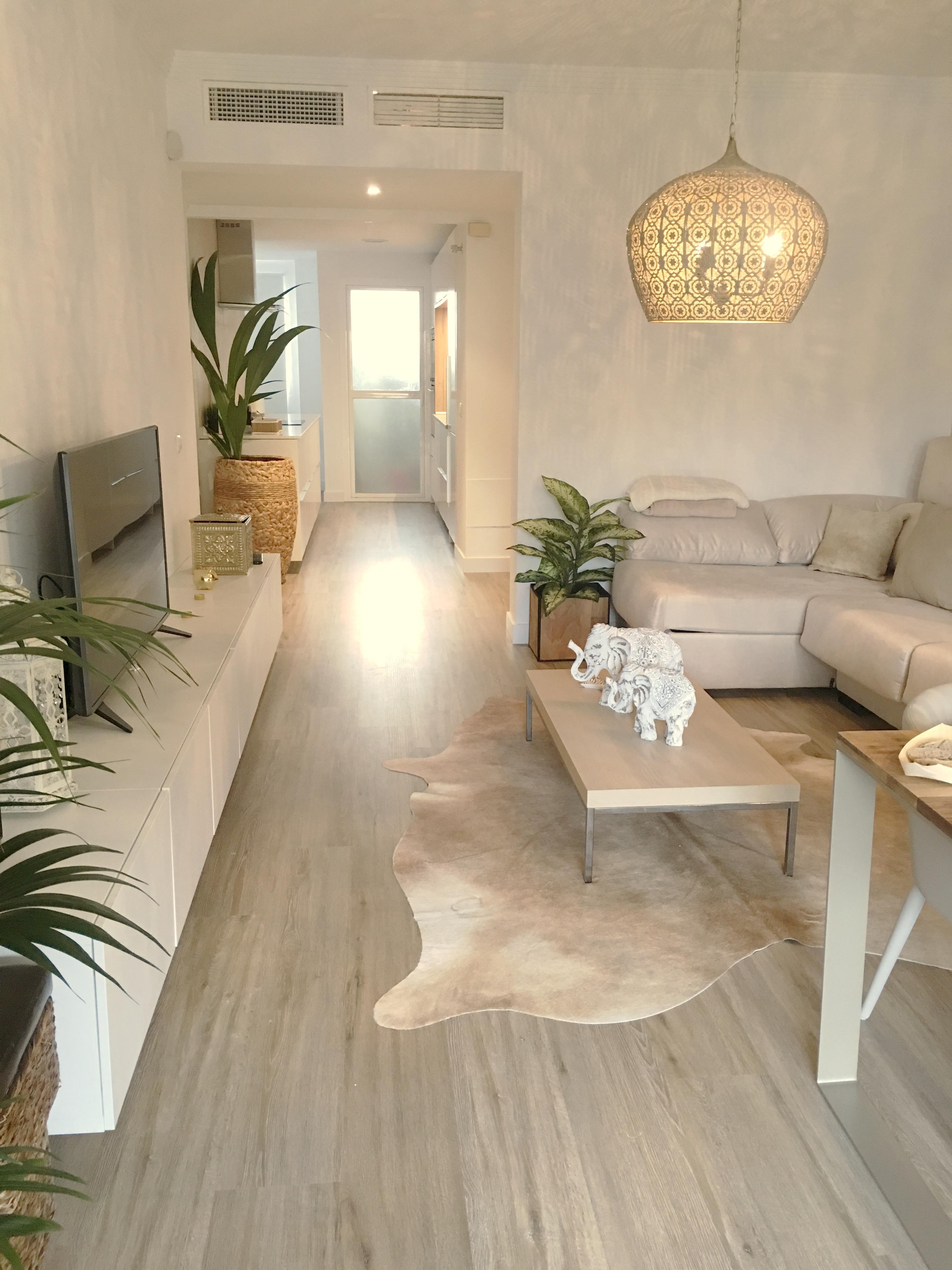 decoración de salon para apartemnto vacacional en málaga